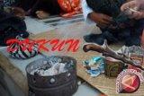 Dicurigai dukun santet, rumah warga di Lombok Timur dirusak orang tak dikenal