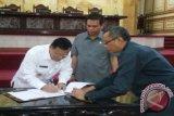 DPRD Tetapkan Raperda Penyertaan Modal Bank Sultra