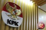 KPK menetapkan hakim-panitera PN Tangerang tersangka suap