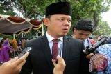 Wali Kota Bogor, Bima Arya Sugiarto saat menjawab pertanyaan Wartawan peliput Pemkot Kota Bogor dan jajarannya. (ANTARA FOTO/M.Tohamaksun/Dok).