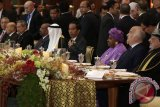 KTT OKI - Kepala negara anggota OKI santap bubur kampiun