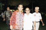 Ade Dasep Zainal Abidin (Pendiri sekaligus Pembina Baldatun Center) bersama Ahmad Muzani (Sekretaris DPP Partai GERINDRA) di sela acara penunjukan Baldatun Center sebagai inovator Koperasi Garudayaksa Nusantara (KGN) Sukabumi.  (Foto Humas Baldatun Center).