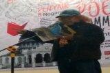 Isbedy Stiawan ZS Ikuti Pertemuan Penyair 8 Negara