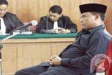 Mantan Dirut PDAM Padang Azhar Latif Ditangkap