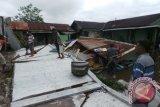Satu Rumah di Sampit Hancur Tertimpa Tembok Toko Buku