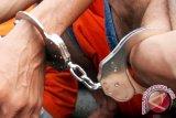 Polisi selamatkan terduga pemerkosa anak dari amukan massa