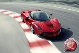 WOW!! Mobil Listrik Karya Anak Bangsa Di Uji Di Markas Ferrari