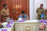 Gubernur Terima Aset Tetap dan Piutang Pajak Daerah--Salah Satu Indikator Pertahankan WTP