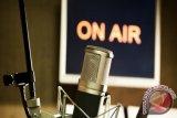 Apes! Seorang Penyiar Radio Ditangkap Karena Bawa Golok, Ini Alasannya