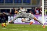 Kiper muda bawa Milan menangi piala super