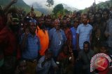 Ribuan massa pendukung hadiri kampanye Yustus Wonda-Kirenius Telenggen