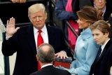 Dolar AS Ambruk Gara-Gara Omongan Presiden Donald Trump