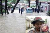 Personel Brimobda-Polairud Sulut Bantu Korban Bencana Manado
