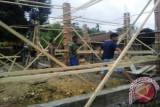 TNI bantu bangun rumah di Sawar Kabupaten Sarmi