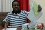 Yanni-Zadrak persoalkan formulir C1 yang diberikan penyelenggara Pilkada Kabupaten Jayapura