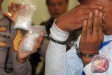 Polda Kalteng  tangkap kurir satu kilogram sabu di Palangka Raya