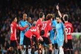 Fellaini diusir saat United tahan imbang City