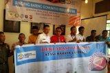 Pemerintah kota Pontianak, PLN Kalbar, Aparat penegak hukum dan sejumlah elemen lainnya melakukan deklarasai bersama atasi bahaya layang saat Bincang Bareng Komunitas Peduli Listrik Kalbar di Pontianak (10/5). (Foto Antara Kalbar/Dedi/17)