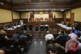 Paulus Beri Kesaksian Kasus KTP-e  via Telekonferensi dari Singapura