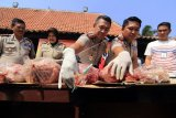 Polisi Gagalkan Pengiriman Dua Ton Daging Celeng