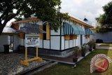 Ende Tonjolkan Tiga Ikon Selama Bulan Soekarno