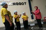 Disnakertrans Jateng minta perusahaan susun struktur-skala upah