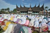 Muslim Indonesia Shalat Ied di Stadion Meksiko
