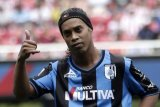 Ronaldinho dan Luis Figo Berlaga di Ningxia
