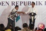 Presiden Jokowi deg-degan ketika bagikan sertifikat tanah