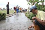 Holcim Bangun Jalan di Sejumlah Desa di Cilacap