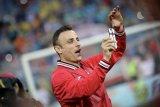 Berbatov: Aneh jika musim dibatalkan dan Liverpool tidak juara