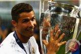 Ronaldo Dinobatkan sebagai Pemain Terbaik UEFA Kompetisi 2016/17