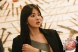 Fitnah dan sebarkan kabar palsu, Song Hye-kyo adukan warganet ke polisi