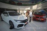 Selain menampilkan produk mobil unggulan seperti New Honda Brio RS CVT edisi spesial dan Honda HR-V tipe 1.5L E CVT, Honda juga akan meluncurkan mobil sport Honda Civic Type R pertama kali di Surabaya pada ajang GIIAS SAS 2017 yang akan digelar pada 20-24 September 2017 dengan target penjualan sebanyak 500 unit. Antara Jatim/Moch Asim/17