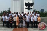 Karo Kesra Pimpin Ziarah Mantan Gubernur Di Kalibata