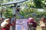 Al Firdaus Terapkan Teknologi Panel Surya