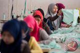 Pabrik pakaian di Bandung diminta tutup karena ada pegawai COVID-19