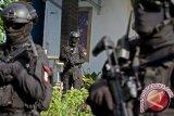 Densus menangkap 12 terduga teroris di NTB, Kalsel, dan Bali