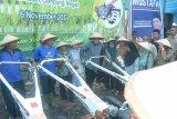 PT Pegadaian Lampung Sumbang Empat Unit Traktor Tangan