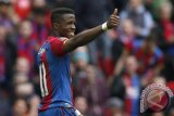 Bantai Leicester 5-0, Palace menjauh dari degradasi