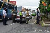 Petugas tertibkan parkir liar depan RST Magelang