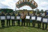 Kapolda Papua beri penghargaan kepada prajurit TNI Pos Pitewi