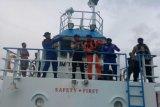 Tim SAR Polair Polda Papua berhasil evakuasi KM Cantika Lestari