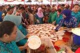 Hindangan Makanan Habis,  Ribuan Masyarakat Tetap Antusias Hadiri Pernikahan Gubernur Kalteng