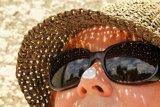 Ahli : Tabir surya  juga diperlukan saat naik pesawat