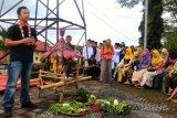 Peringati HPN, warga-PWI Kota Magelang prosesi