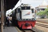 Perjalanan empat KA tujuan Daop Semarang disetop sementara