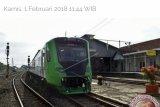 Hundreds of Padang Citizens Enjoy Minangkabau Express Train for Free