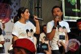 Pasangan Anang-Ashanty hibur warga Bekasi meriahkan Imlek