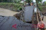 Jalan trans Sulawesi di Mamuju Tengah putus